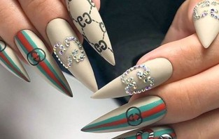 Где выбрать и заказать гель для наращивания ногтей Украина?